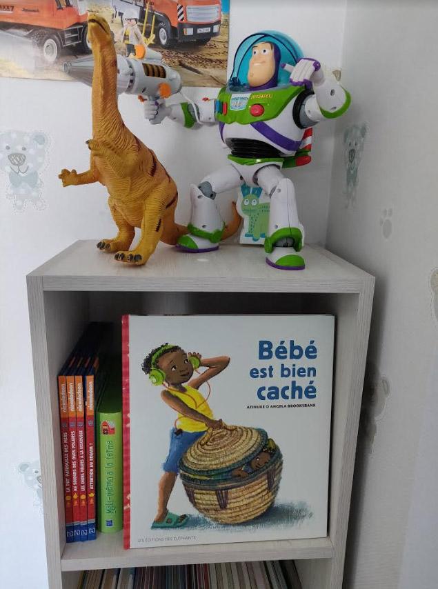 livre bebe est bien cache